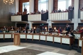 Bloemen en toespraken bij 'exstallatie' Statenleden