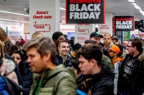 Na de Black Friday-gekte is het tijd voor Giving Tuesday: 'Doe iets voor een ander'