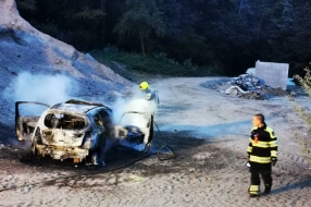 Uitgebrande auto waarschijnlijk gebruikt bij ramkraak in Wijchen